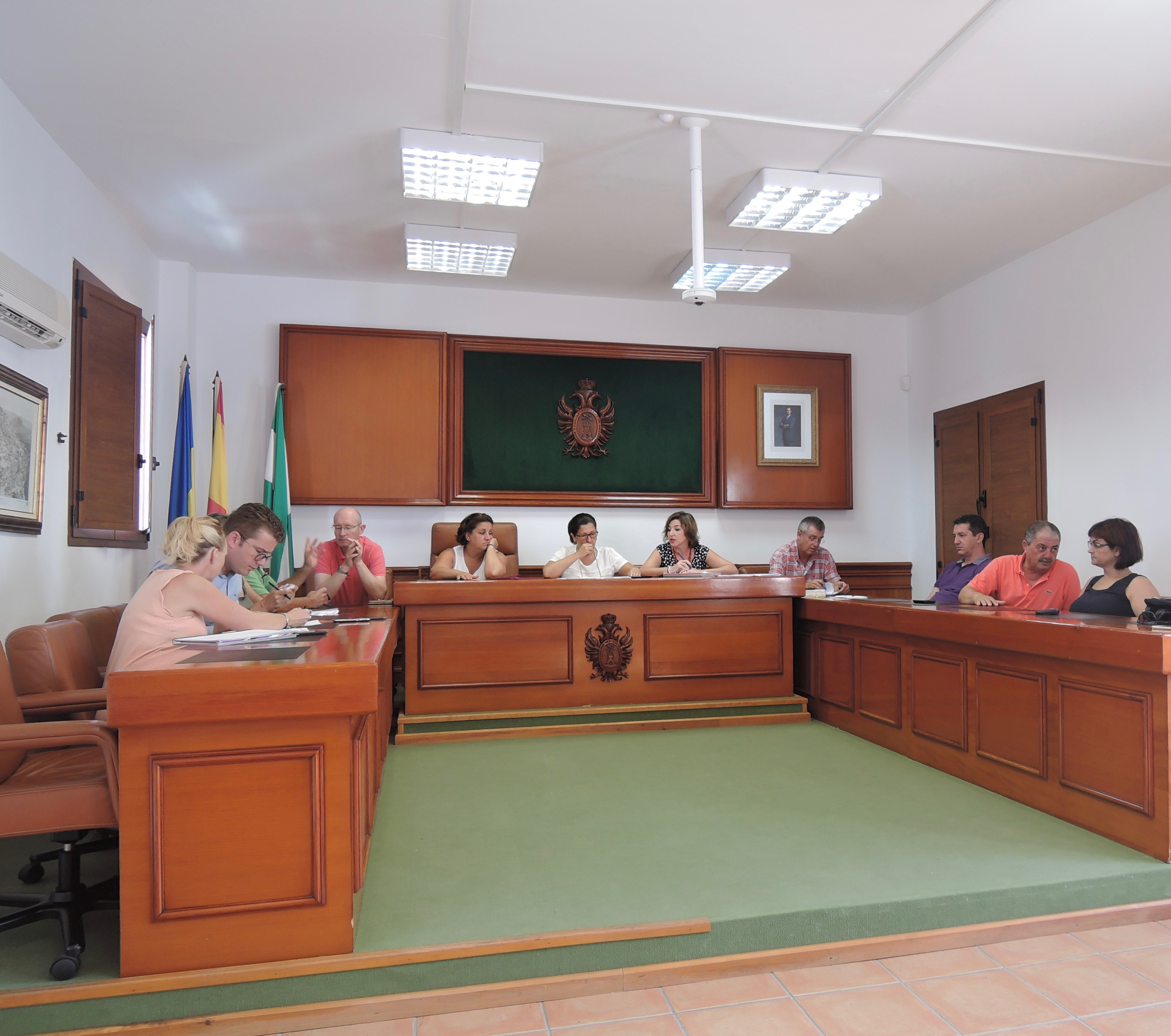 Mojácar Council held an ordinary plenary session which included the request to the Junta de Andalucía to set in motion the expansion of its Hotel and Catering School, which is of great traditional importance in the town.